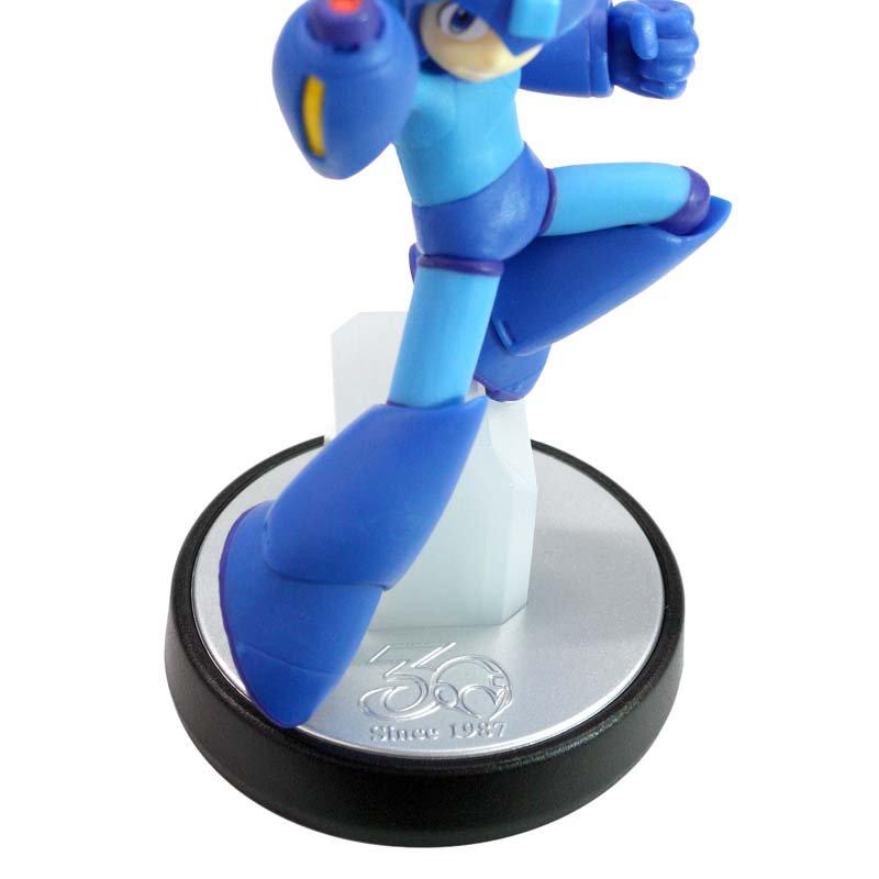 Mega Man 11 amiibo Photo 2