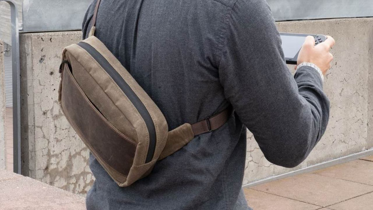 WaterField Sutter Sling Pouch Photo