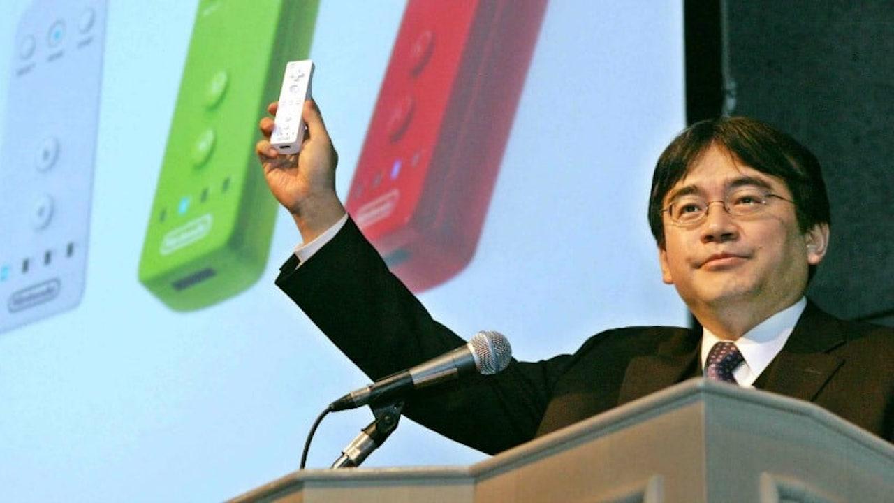 Satoru Iwata Wii Remote Photo